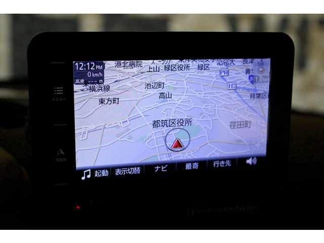 ■ポータブルナビが取り付けられており、長距離ドライブでも安心です。