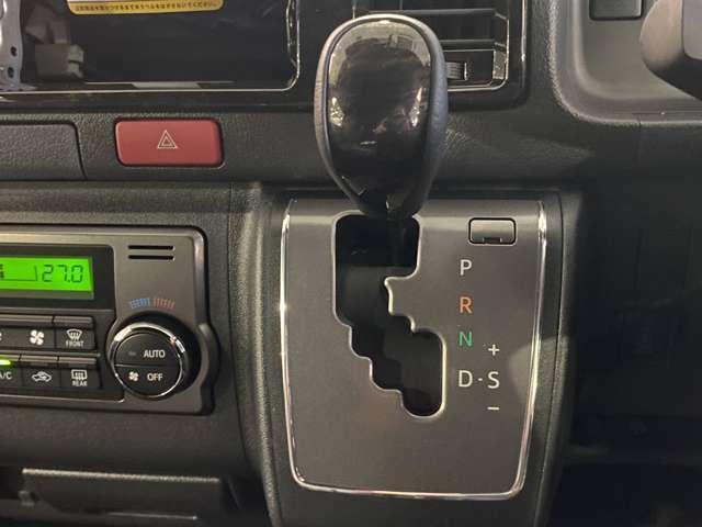 【 シフト 】シフトも操作しやすく快適なドライブを楽しんでいただけます♪