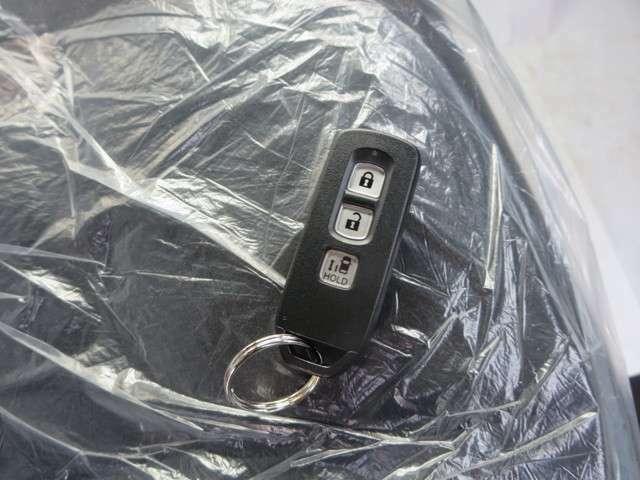 キーフリーなので、カギの持ち運びも楽々♪♪大きい荷物も持っていても開け閉め楽々です!!電話でのお問い合わせは0066-9711-371604(無料)です♪お気軽にどうぞ♪