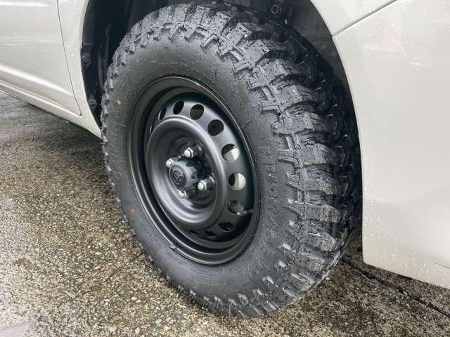 新品マッドタイヤ装着済み!ホイールは艶消しブラックに塗装済みです!
