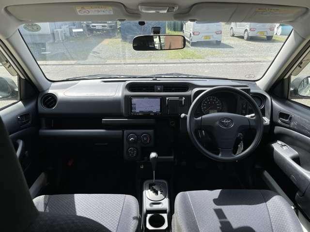 運転席以外のシートはほとんど使用感は感じられません。