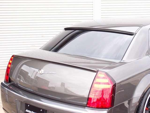 カスタム費用400万円以上!人気の3.5Lモデル 300Cの入庫!T-DEMANDO製エアサスを公認取得し、前後ビックキャリパー、ローター、アーム、リバティウォークフルエアロなど希少価値の高い一台