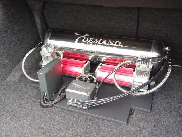 T-DEMAND製アッパーアーム、テンションロッド/T-DEMAND製アルミナット/リバティーウォークフルエアロ/リバティーウォークトランク、ルーフスポイラー/ワンオフマフラー/LEDテール