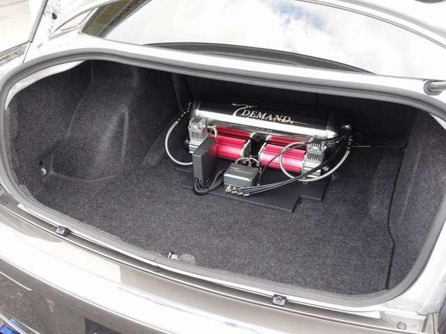 平成20年 300C 3.5 ディーラー車 T-DEMANDエアサス公認 HDD地デジナビ 革 T-DEMAND前後キャリパー、ローター、アーム フォージアート22AW リバティフルエアロ、スポイラー LEDテール ETC HID HID