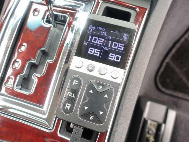 ディーラー車/純正HDD地デジナビゲーション/レザーシート/HID/HIDフォグ/ETC/T-DEMAND製エアサスキット公認取得済/T-DEMAND製前後ビックキャリパー、ビックローラー