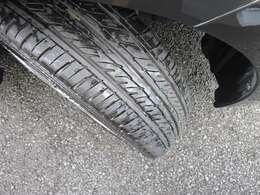 安全にお乗りいただく為に重要なタイヤの溝も安心してお乗りいただけるレベルです!