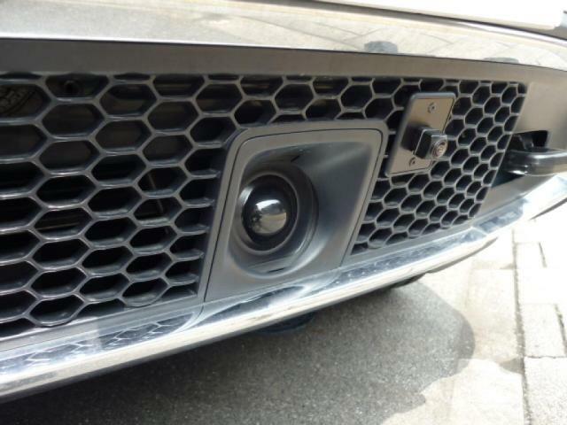 各種センサーが、常に車両の周囲を監視し、安全に見守ります。