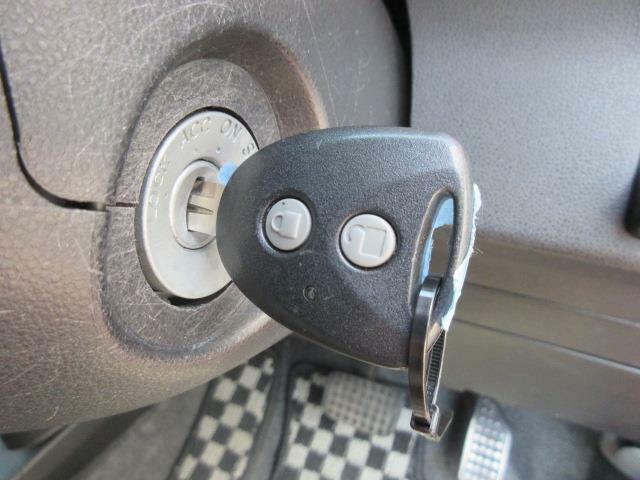 キーレス付きです★お買物などで両手がふさがっていても楽々です。最近では当たり前の装備になりましたが、なくては不便です!!鍵を差込むときにボディーに傷をつけてしまうこともなくなります★