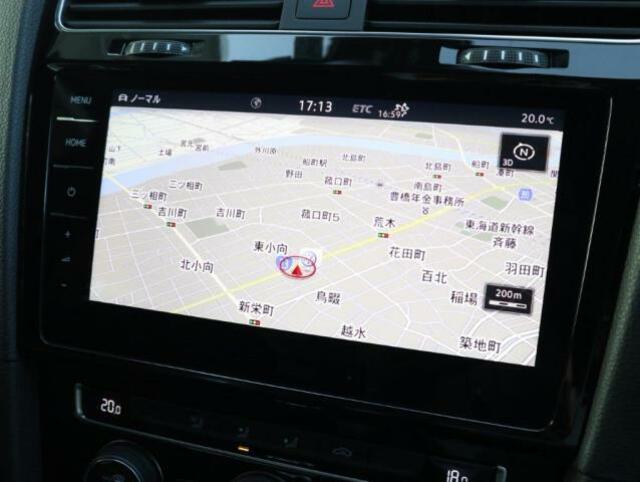 9.2インチ大型全面タッチスクリーンの純正ナビゲーションシステム「ディスカバープロ」。ナビゲーションの域を超える車両を総合的に管理するインフォテイメントシステムです。