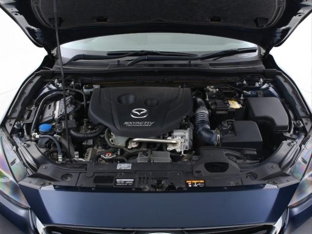 エンジンは前述しましたがディーゼルの1500cc+ターボとなっております。ディーゼル特有の強いトルクとターボのアシストも相まってとても1500ccのお車とは思えない体験をする事が可能となっております。