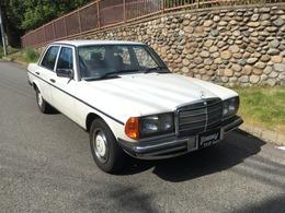 メルセデス・ベンツ ミディアムクラス 230E 最終W123 オリジナルコンデション