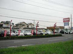 常時30台以上の国産中古車を取り揃えております。