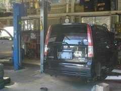 当店では、長年の整備を専門として営業しております!!特にトラックや特殊車両もお任せ下さい!!