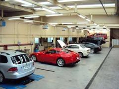 東北唯一のフェラーリ社認定整備工場併設。ご納車前の点検整備から、アフターサービスまでおまかせ下さい(東北陸運局指定工場)