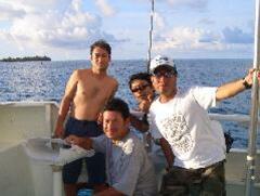 水曜日は定休日です。スタッフ一同魚釣りに行ってます。