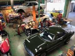 自社工場完備 旧車に精通したスタッフが精一杯の仕事をさせて頂きます。アフターも安心してお任せください。