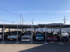 未再生の良質車を中心に取り揃え、皆様のご来店をお待ちしています。屋根付き展示場完備!旧車に優しい店を目指しています。