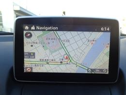 メーカー純正装着のマツダコネクトはスマートフォンとのBluetooth接続によってインターネットラジオの視聴、ハンズフリー通話、ナビゲーションなどの機能を搭載しています。