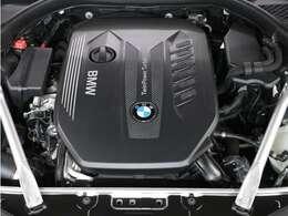 出力 320ps 最大トルク/回転数kg・m/rpm 69.3/2250のパワーとトルクを、心ゆくまでお楽しみください!