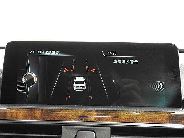 アクティブクルーズコントロール(先行車との車間を維持しながら自動で車速を制御)&ドライビングアシスト(車線逸脱&前車接近警告、衝突被害軽減ブレーキ)