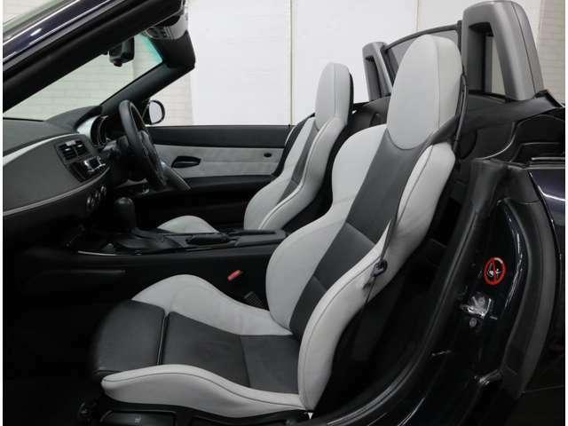 BMWインディビデュアル・ニューイングランドのバイカラーレザーを採用。シルバーストーン/アンソラジットのMスポーツシートはシートヒーターも内蔵。実にエレガントなインテリアです。