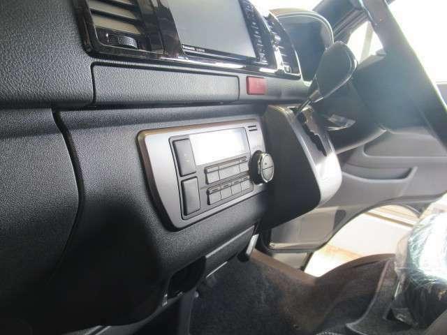 特別仕様車 LEDライト メッキフロントグリル ウッドコンビハンドル ハーフレザーシート スマートエントリー&スタートシステム 台数限定の特別価格 早い者勝ち!!