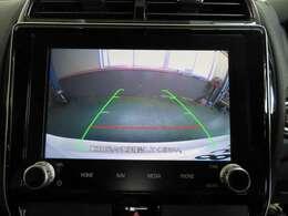 狭い場所や難しい駐車に役立つバックカメラ付き!ナビ画面に死角になりがちな車輌後方の様子が、広範囲に映し出されます。