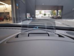 アクティブドライビングディスプレイで走行中視線をそらさず運転できます!!