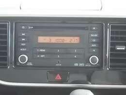 日産純正CD,FMチューナーです。
