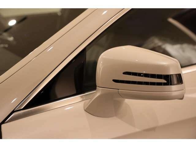 ◆クロームパーツ類の綺麗さを感じてみて下さい!◆是非輸入車をご検討されている方は、クロームパーツ類や樹脂パーツ類などの状態をポイントに現車確認をしてみて下さい。
