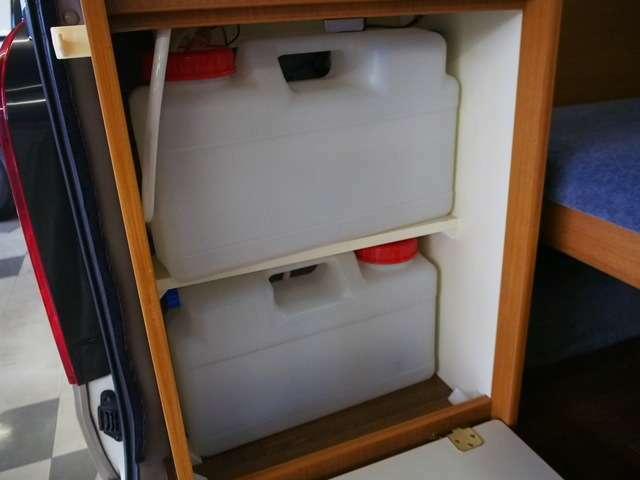 給排水ポリタンク各12L