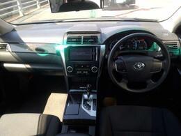 ご覧ください!ガラスも大きく見やすく、運転しやすいお車でとてもおすすめです!ナビもとても見やすい位置に配置されておりますよ!