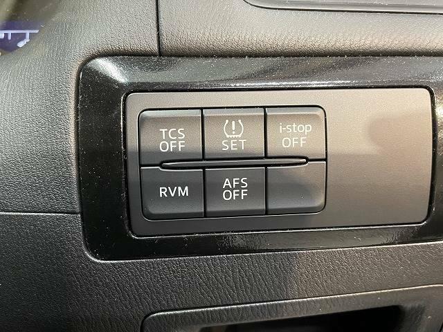 あると便利な【RVM】搭載。車が横を通過する際にサイドミラーが光、通過を教えてくれます。