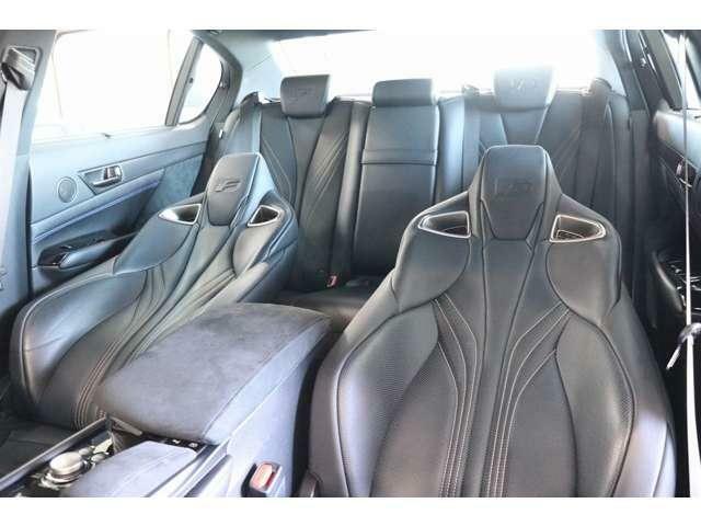ブラックレザーエアシート ハンドル・シートの擦れも殆どなくきれいな車輛です!
