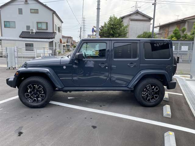 Jeep通はモデルコードで呼びます。Jeepには名前を変えずに進化してきたモデルはいくつもあります。その為、モデルはモデルコードによって呼び分けられています。