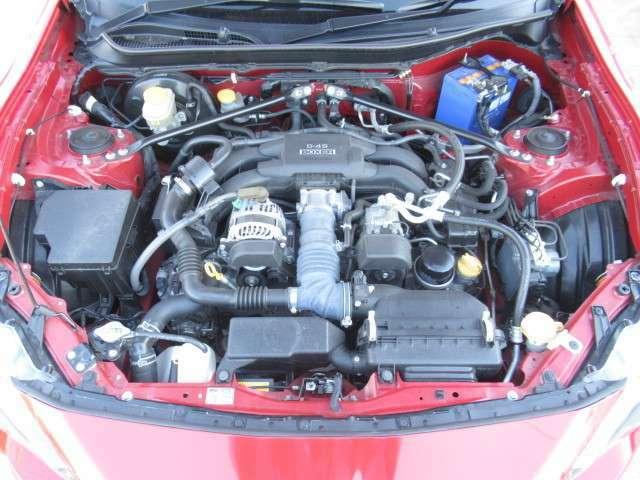 2000cc&ボクサーエンジン搭載で軽快な走りが魅力です♪
