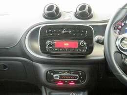 ■Bluetooth&USBインターフェース付AM:FMラジオ/フルオートエアコン!
