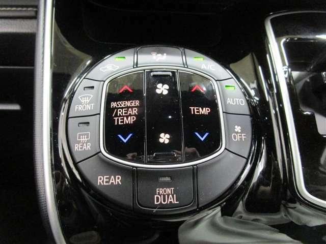 ☆左右独立温度コントロールオートエアコン☆ドライバーも、同乗者も、快適な温度で過ごせます♪