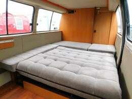 下段ベッド展開時サイズ 長さ181cm幅150cm