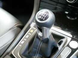 希少6速マニュアル車 馬力280PS/トルク380Nm/JC08モード燃費14.4km/L(カタログ値)☆ご来店のご都合がつかない方は、お勤め先・ご自宅等ご指定の場所へ車輌をお持ちいたします☆