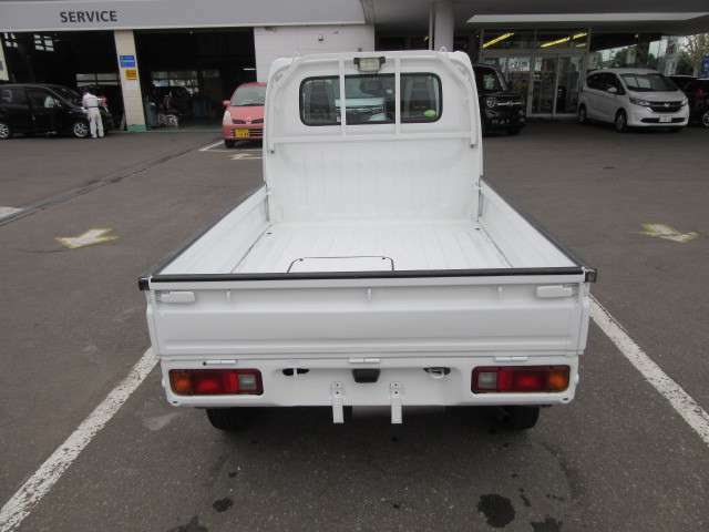 ご覧のお車は当社併設工場にて納車整備後お引渡しとなります。