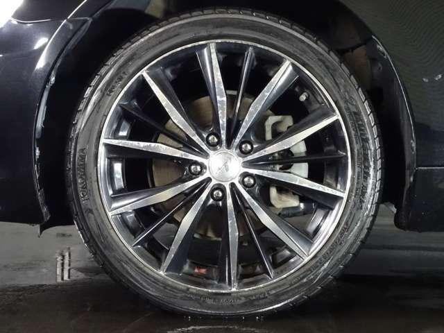 WED'S製 レオニス 18インチAW☆ タイヤサイズは、215-45-18です☆ 28インチ対応 タイヤチェンジャー&ホイルバランサー完備です☆ 大口径アルミの組替や脱着も、是非当店にお任せ下さい☆