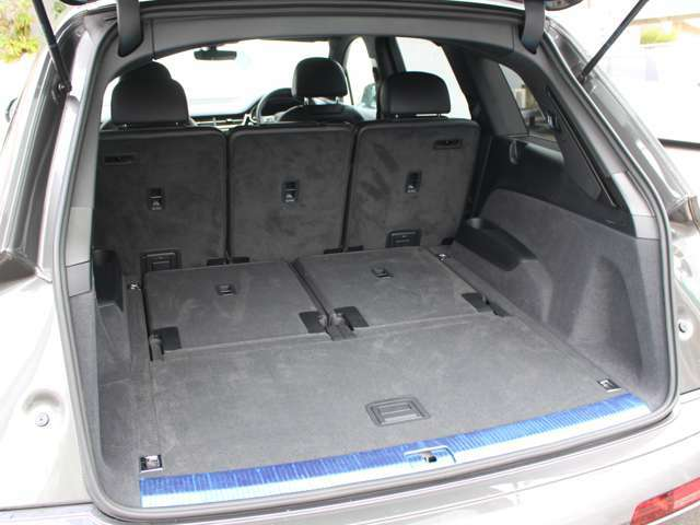 アウディドライブセレクト DOHC V型6気筒Sチャージャー スタートストップ ステップトロニック パドルシフト