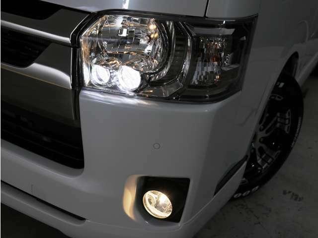 LEDヘッドランプ 標準装備!