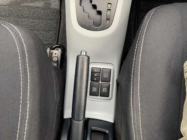 運転席、助手席ヒートシーター付き(`・ω・´)