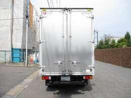 荷箱トヨタ車体 XZC605-VTADBG UT15A030168 荷室 長さ309x幅177x高さ217センチ 最大積載量2000キロ 車両総重量5215キロ 5t免許 右前修復少 内外装キレイ