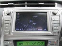 純正HDDナビゲーション&テレビ(フルセグ)付♪今やドライブの必需品ですね♪