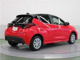 4WDには高級車に使用されるダブルウィッシュボーンサスペンションを採用。