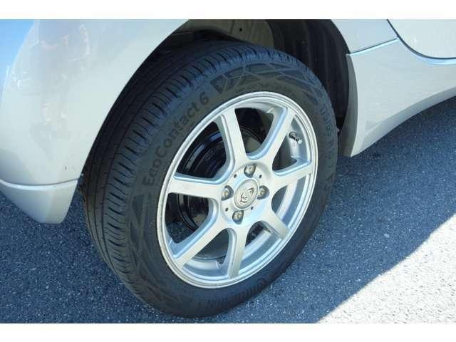 タイヤ溝もまだまだあります