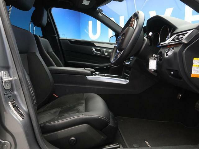 ●ハーフレザーシート:ブラック●シートヒーター●パワーシート『ゆったりとしたドライバースペースで、長時間の運転でも快適にお過ごしいただけます。』